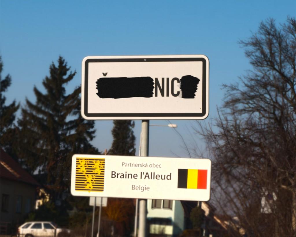 Cenzurovaná značka obce Šlapanice